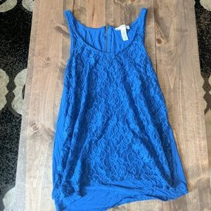 Blue lace tank top Ambiance Apparrel